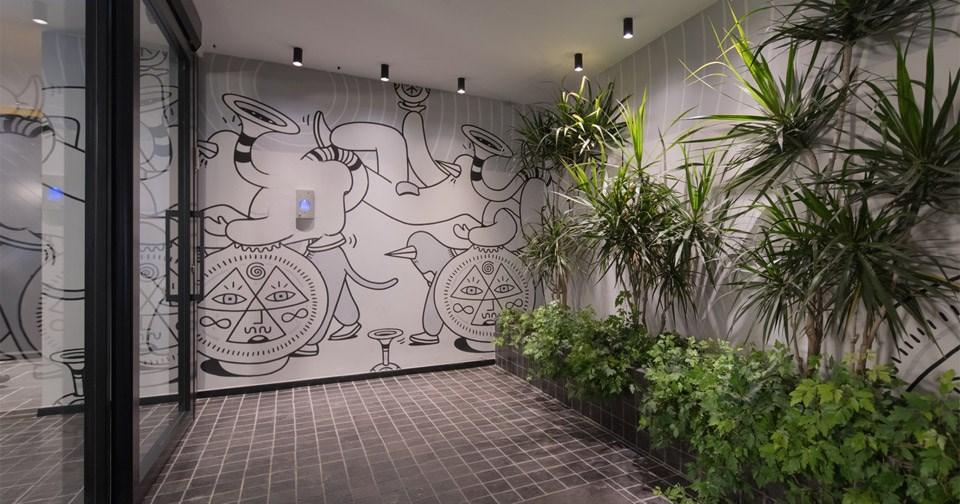 כניסה למלון מיוז תל אביב