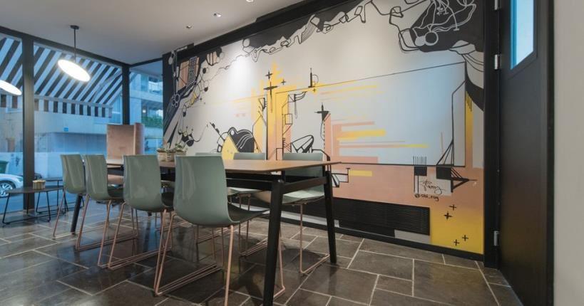 לובי פינת ישיבה - מלון מיוז תל אביב