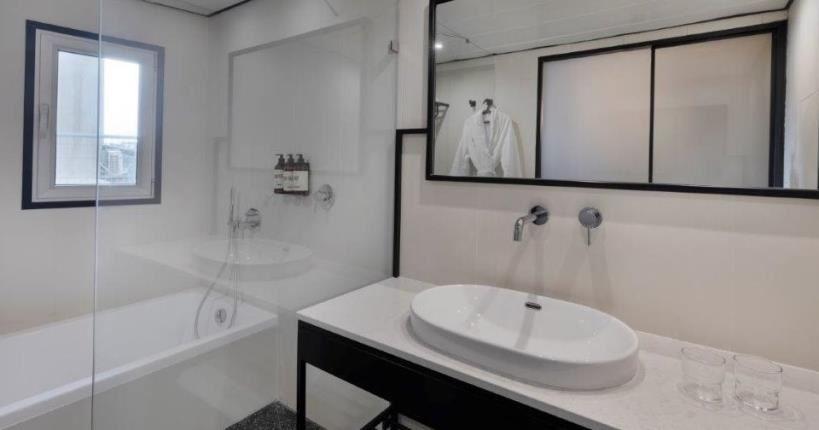 חדר אמבטיה - מלון מיוז תל אביב